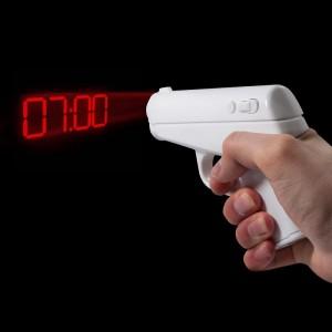 007 titkosügynök projektoros ébresztőpisztoly