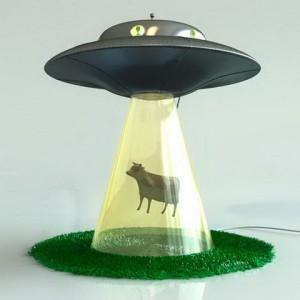 UFO lámpa – elragadó