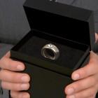 Kétkarátos bögre gyémántgyűrűvel