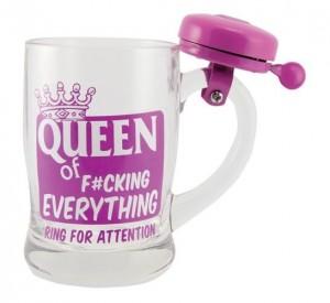Bögre a mindenek királynőjének